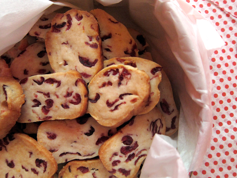 Cranberry Rum Shortbread Cookies Everybody Likes Sandwiches