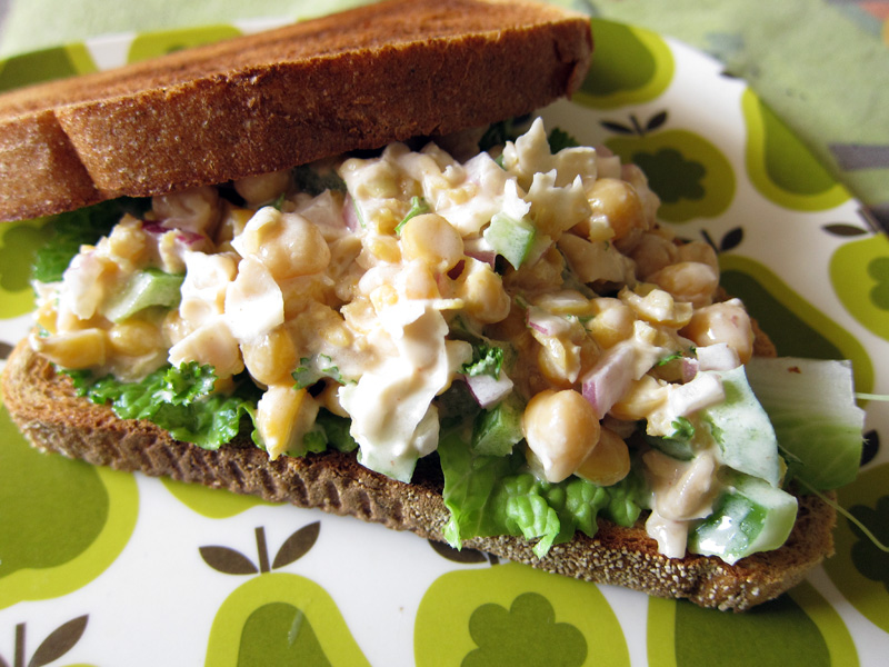 tangy lemon smashed chickpea salad | Everybody Likes Sandwiches
