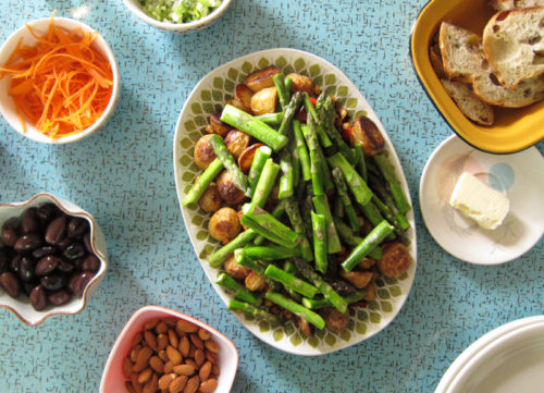 potato, asparagus & chickpea bowl with mint sauce