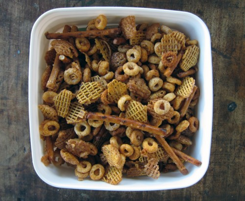 sweet, spicy & salty party mix   everybody likes sandwiches