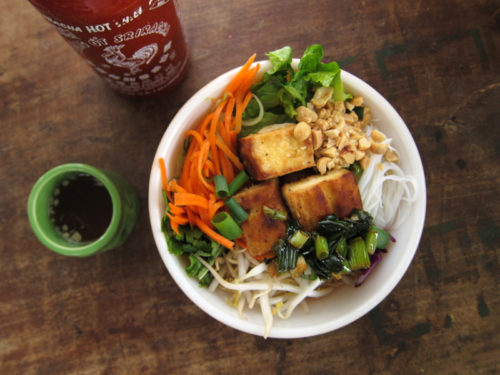 bún vermicelli bowl with tofu | everybody likes sandwiches