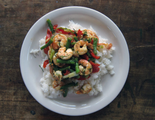 garlicky stir-fried shrimp & green beans with dill | everybody likes sandwiches