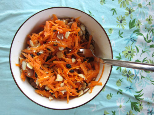 dorie's cafe-style grated carrot salad | everybody likes sandwiches