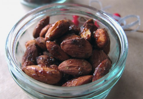 sweet + spiced almonds | everybody likes sandwiches
