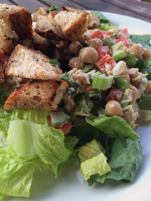 chickpea, tuna & onion salad with creamy lemon dressing | everybody likes sandwiches