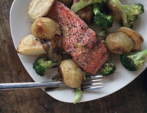 oven-roasted salmon,  potatoes & broccoli | everybody likes sandwiches