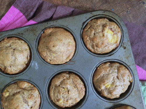 peach cobbler muffins | everybody likes sandwiches